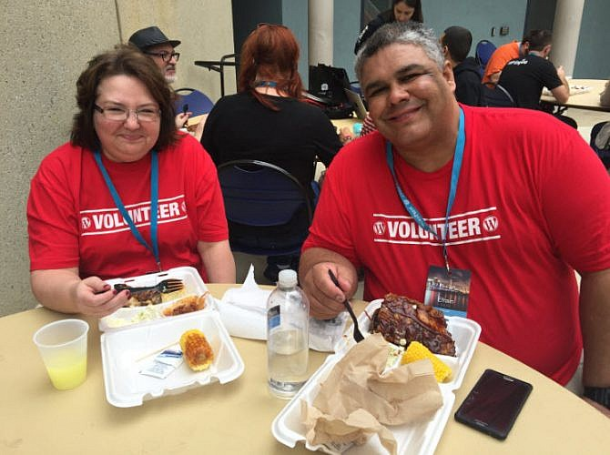 Efrain Rivera and his wife at WordCamp Miami