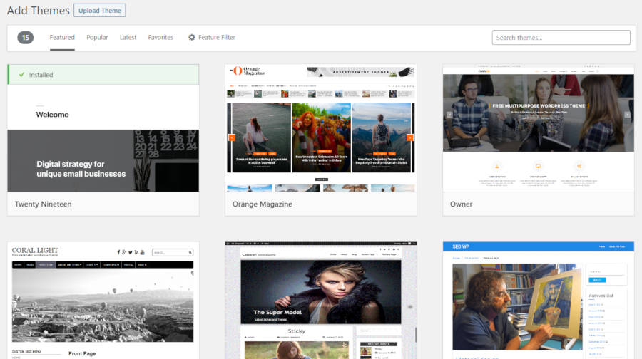Screenshot of the featured themes list in the WordPress admin.