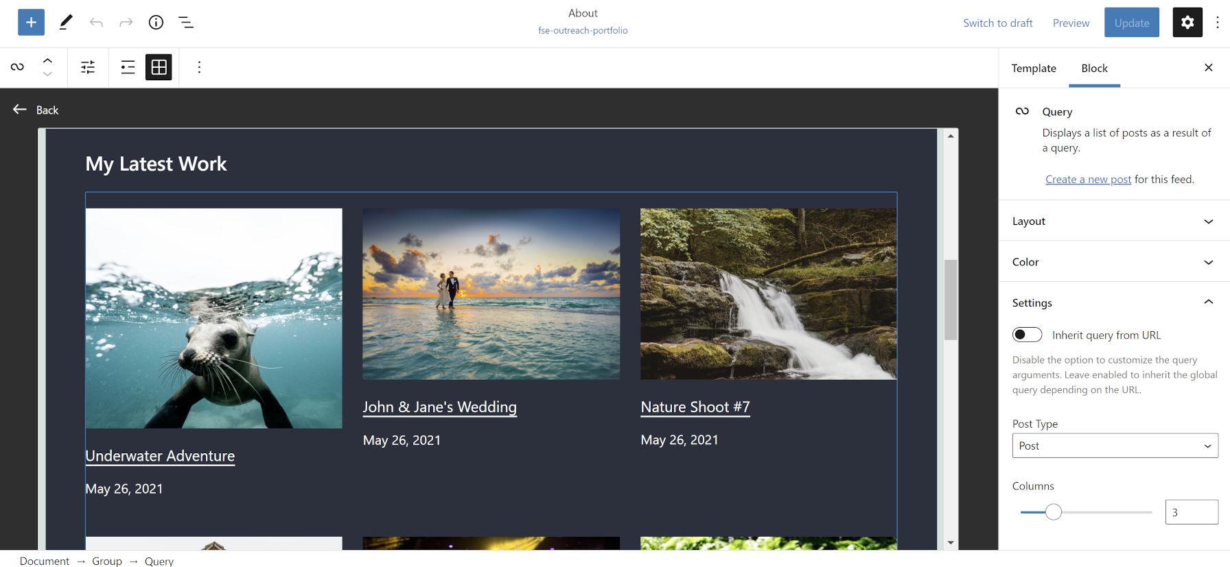 Una griglia a tre colonne di immagini, titoli e date del progetto portfolio.