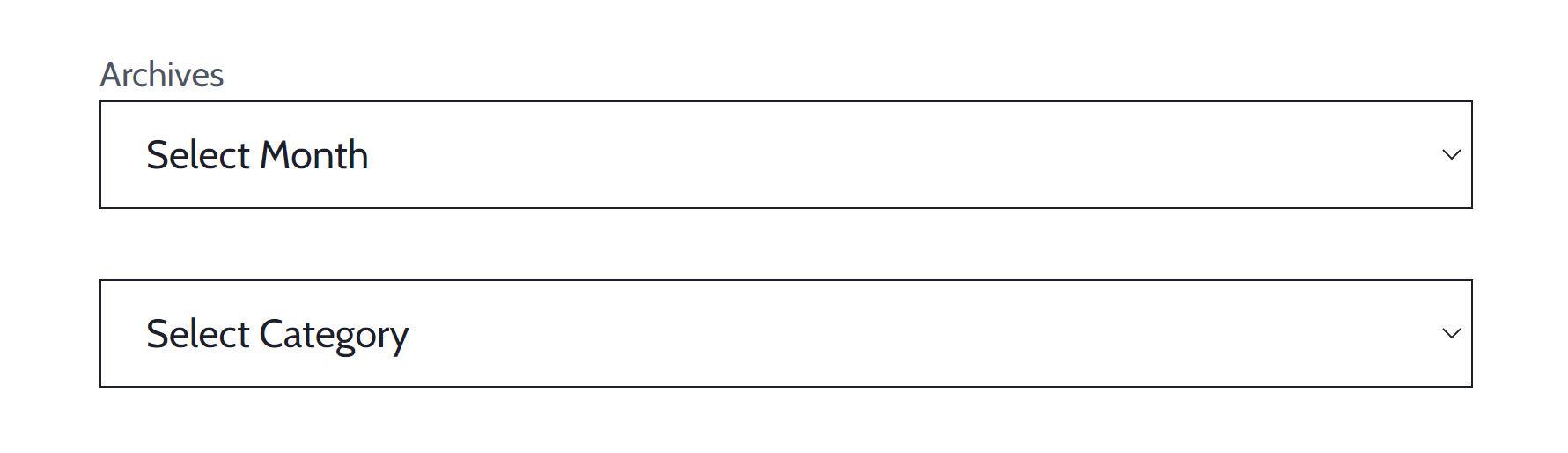 Screenshot dei blocchi Archivi e Categorie. Il primo mostra un'etichetta a tutti. Quest'ultimo mostra l'etichetta solo agli screen reader.
